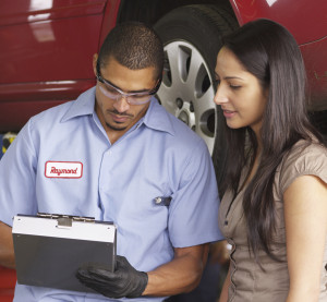 Auto body shops can take steps to make customers happy and secure a good reputation for their business. (viafilms/iStock/Thinkstock)