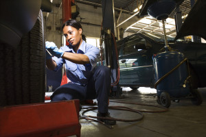 Efforts are under way to attract more women to careers in auto repair. (Jupiterimages/Stockbyte/Thinkstock)