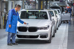 BMW credited the wet pressing and hybrid pressing carbon-fiber techniques used by its Dingolfing, Germany, plant for helping make the production run of the 7 Series possible at the Dingolfing, Germany plant. (Provided by BMW)