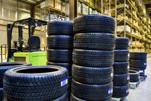 """A Collision Industry Conference group has reviewed a study tracking the parts procurement at one """"call and fax"""" body shop and on Friday shared it with the industry to solicit input in advance of the July Detroit CIC. (maxoidos/iStock/Thinkstock)"""