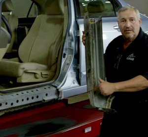 On a new Honda video, Marco's Collision founder Marco Maimone shows viewers some of the real issues with an ostensibly repaired 2006 Honda Civic. (Screenshot of video from collision.honda.com)