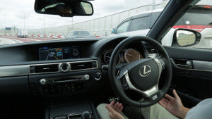 """Toyota announced Tuesday it has tested a self-driving """"Highway Teammate"""" Lexus GS on the Shuto Expressway and plans to have products based on the autonomous technology """"by around 2020."""" (Provided by Toyota)"""