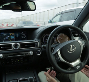 "Toyota announced Tuesday it has tested a self-driving ""Highway Teammate"" Lexus GS on the Shuto Expressway and plans to have products based on the autonomous technology ""by around 2020."" (Provided by Toyota)"