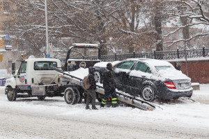 A car is towed in Toronto on Dec. 11, 2014. (mikeinlondon/iStock Editorial/Thinkstock file)