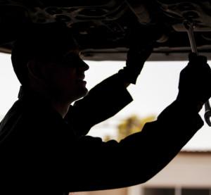Illustration of an automotive technician. (Antonio_Diaz/iStock/Thinkstock)