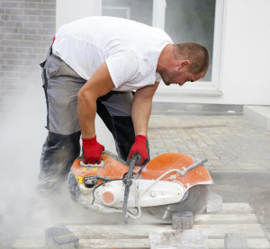 Construction sites can put workers at risk of crystalline silica dust exposure, according to OSHA. (Horsche/Stock/Thinkstock)