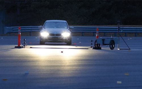 The Insurance Institute for Highway Safety has found yet another class of vehicle with lousy OEM headlights, and its research indicates a repair consideration for auto body shops. (Provided by IIHS)