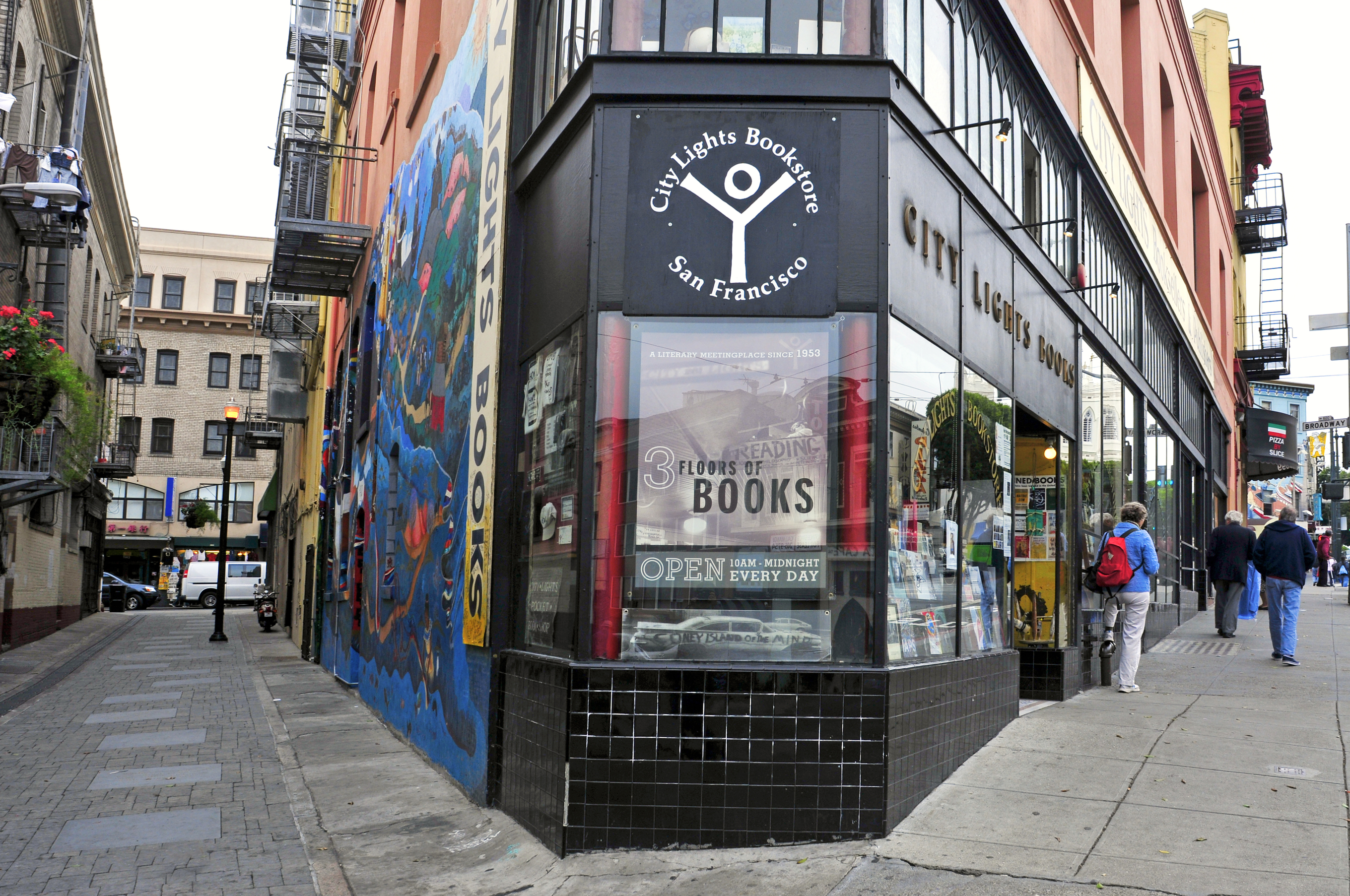 Gene Marks Small business bookstores buck consolidation trend