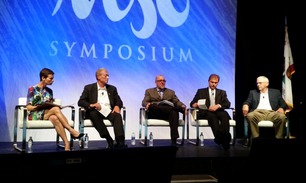 From left, moderator Marcy Tieger of Symphony Advisors, State Farm's Russ Hoffbauer, Allstate's Clint Marlow, Progressive's Chris Andreoli and Farmers' Gerry Poirier participate in a panel at the NACE MSO Symposium on Aug. 11, 2016. (John Huetter/Repairer Driven News)