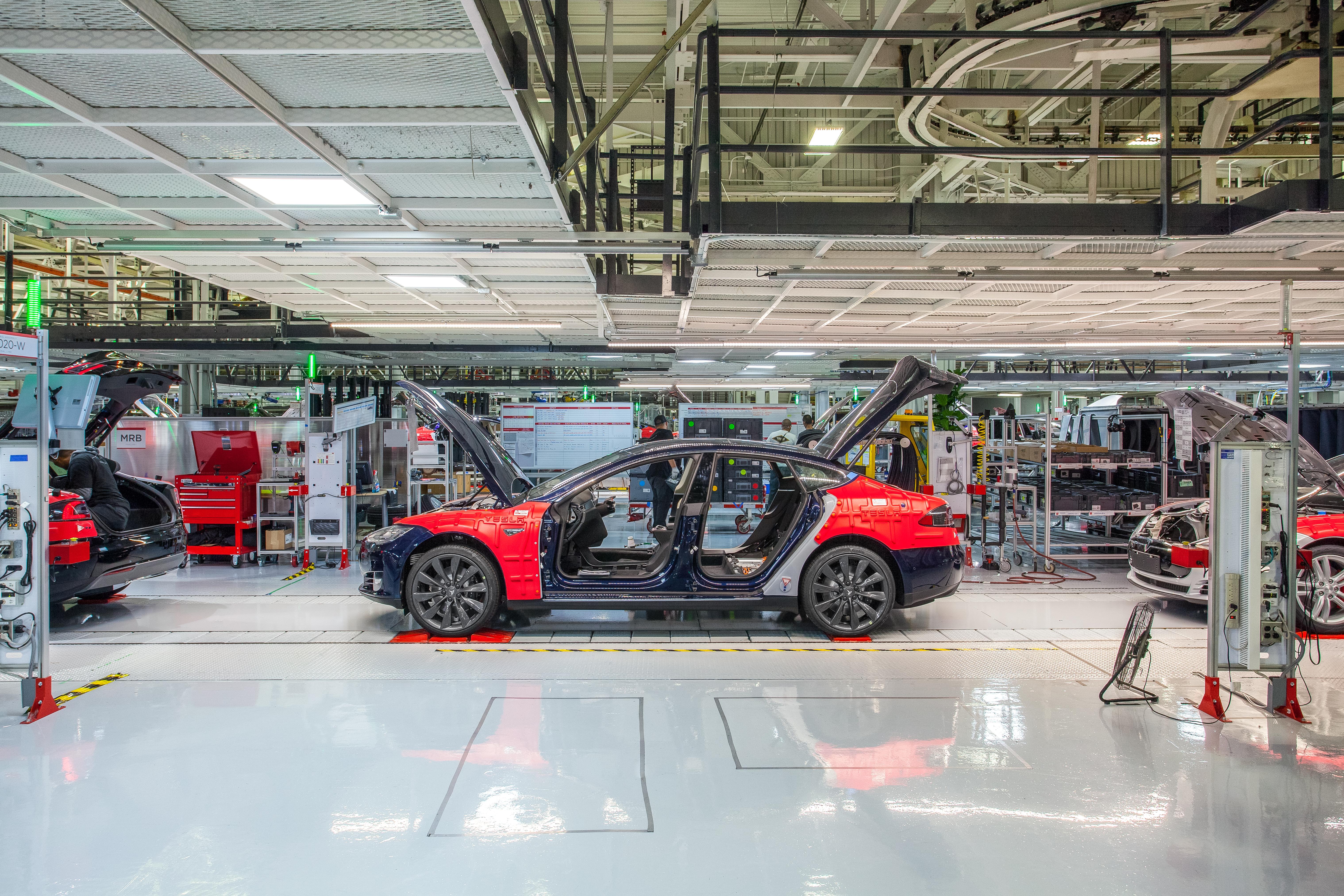 Auto Body Shops >> Following Training Shakeup Certified Tesla Auto Body Shops Raise