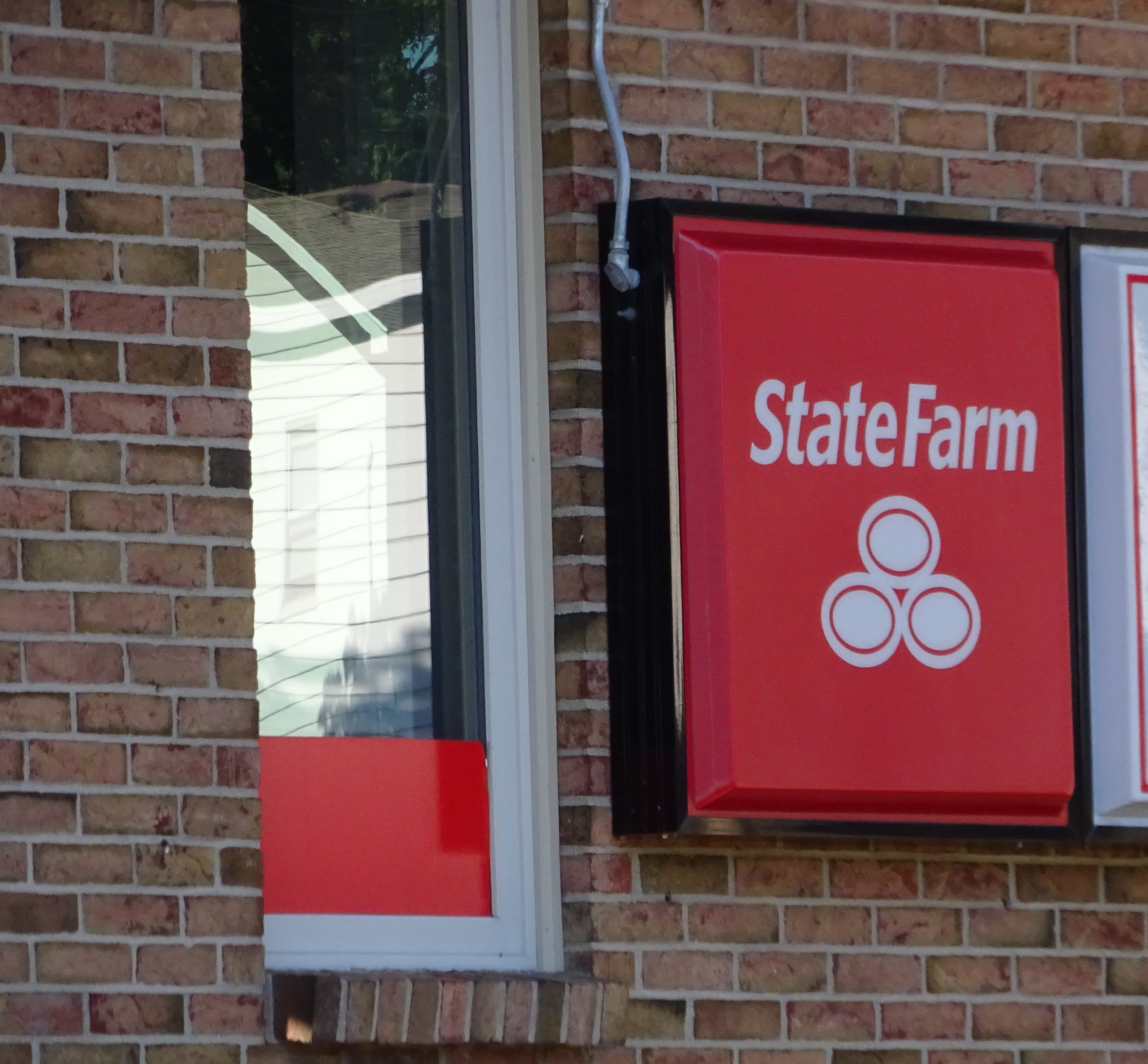 State Farm Windshield Replacement >> Local Level State Farm Staff S Sweeping Claims Regarding