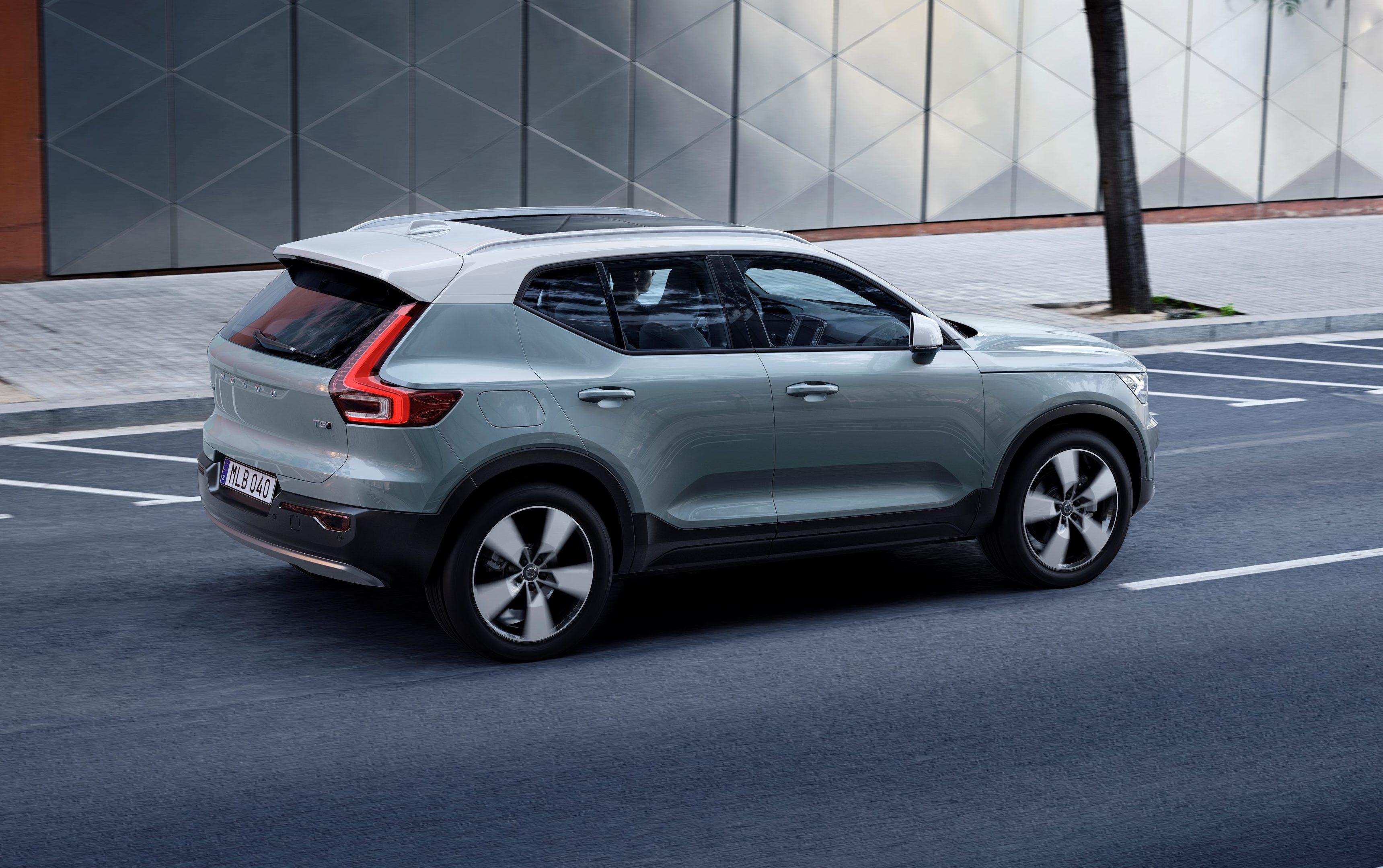 Next Gen Volvo Xc40 Has Two Tone Option Exterior Remains Steel