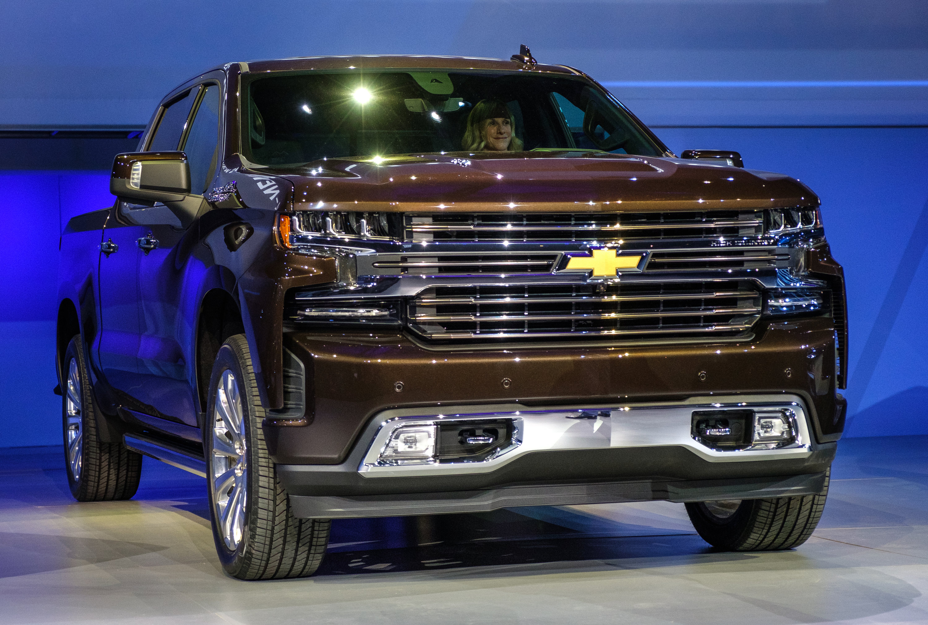 2019 Chevy Silverado cuts up to 450 lbs. with aluminum ...