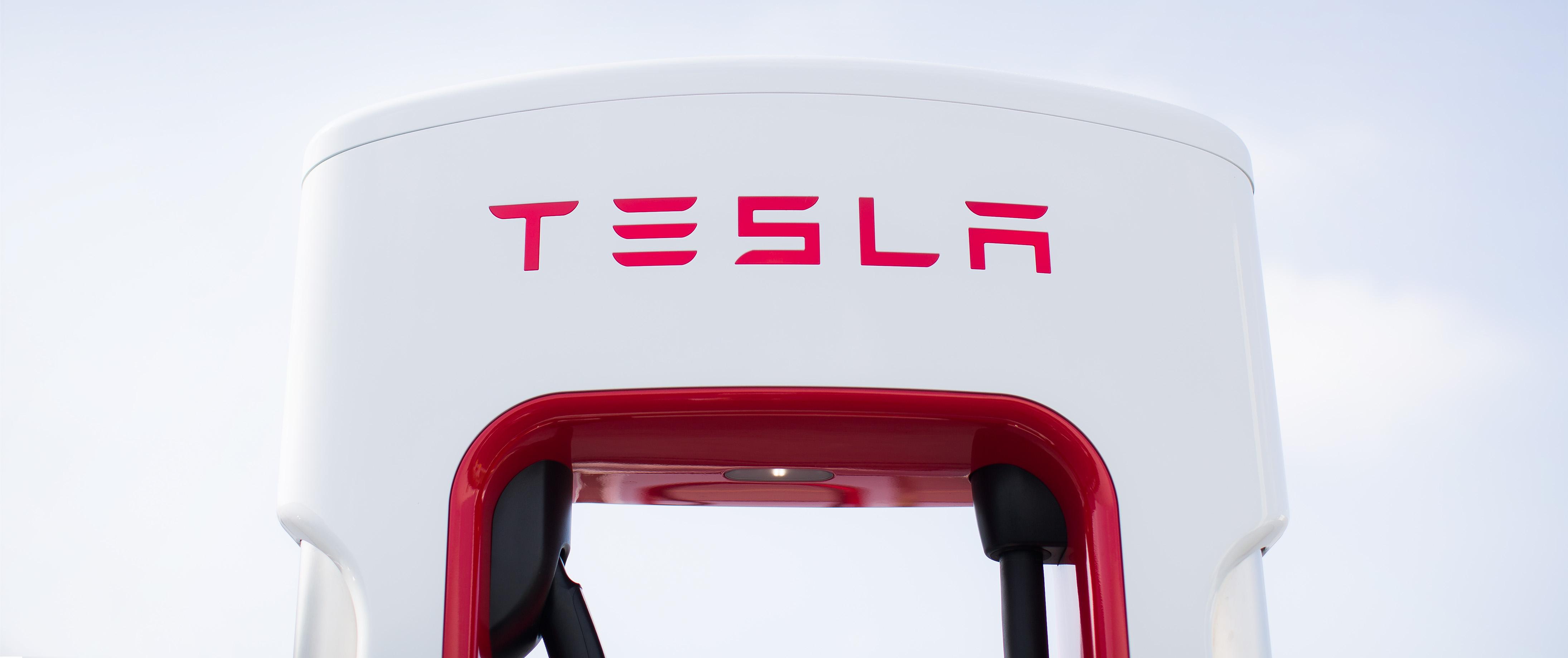 Driver sues Tesla, Service King over Utah Autopilot crash